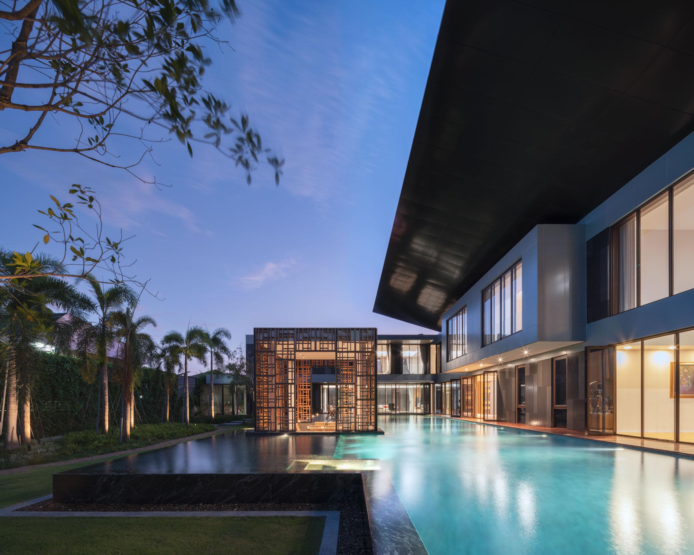 + HOUSE BANGKOK